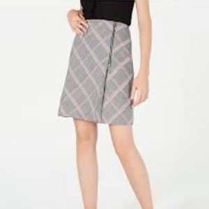 NWT Bar III grey/red/whit plaid skirt size 6